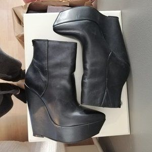 BCBGMAXAZRIA  Real Leather Booties